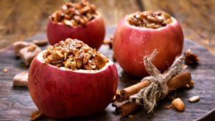 Slow Cooker Baked Apples