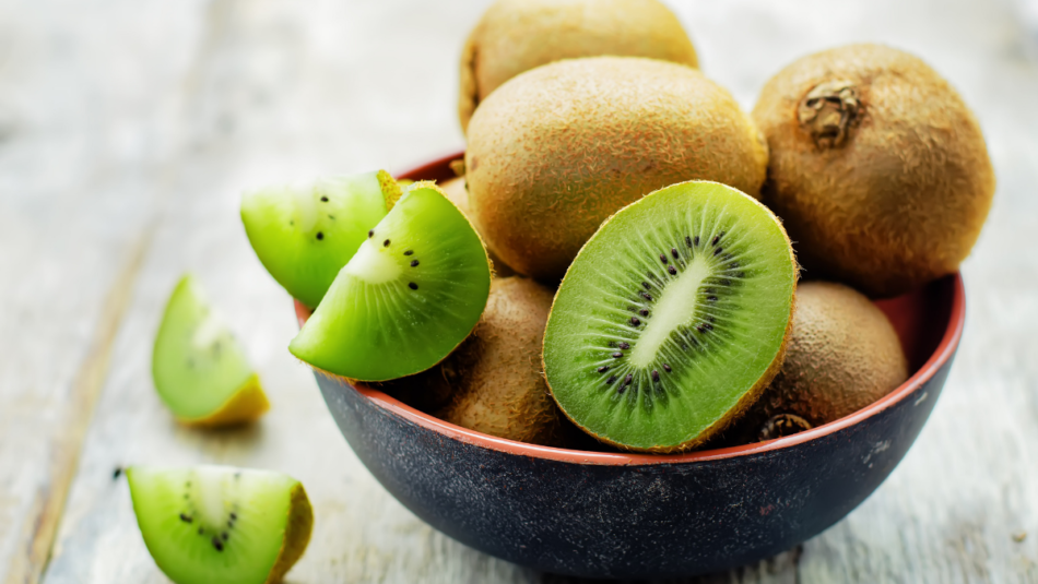 can you eat kiwi skin