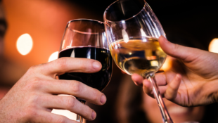The Big Difference Between Red Wine and White Wine